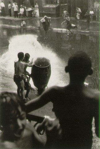Untitled, New York 1942 © Helen Levitt